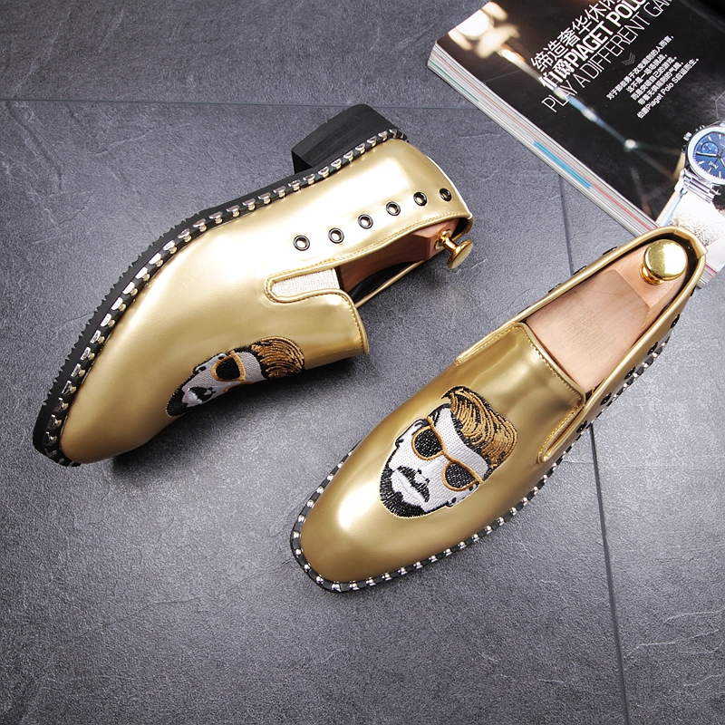 CuddlyIIPanda Men Punk Style Fashion Loafers Rock Rivet Top Quality Comfortable Breathable Men Superstar Shoes Men Casual Shoes 18