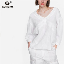 ROHOPO Lace Neckline Cotton Long Sleeve Blouse Women Autumn Top Shirt Pullover White Blouse Embroidery Vintage Blouse #AZ9298 v neckline fluted sleeve gingham top