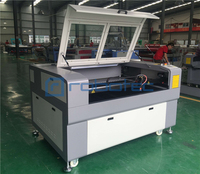Yüksek hassasiyetli deri kumaş lazer kesme makinesi su soğutucu/1300*900 MM CO2 lazer oyma makinesi