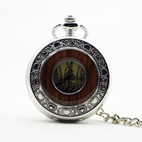 Pocket Watches Vintage Clamshell Man And Women Quartz Watch Fashion Hollow Mechanical Watch Creative Gift