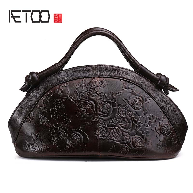 AETOO 2017 New Arrival Oil wax Genuine Leather Women Handbags Fashion embossed Crossbody Bags Female Handbag Trend Bag Bolsas ipinee new arrival fashion female house design hand bags beach crossbody bag cartoon handbags for women