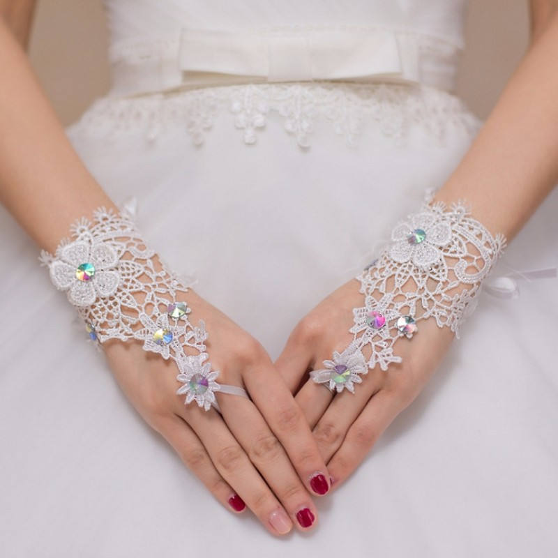Woman Lace Wedding Gloves Short wrist Length Fingerless Beige Glove for Bridal