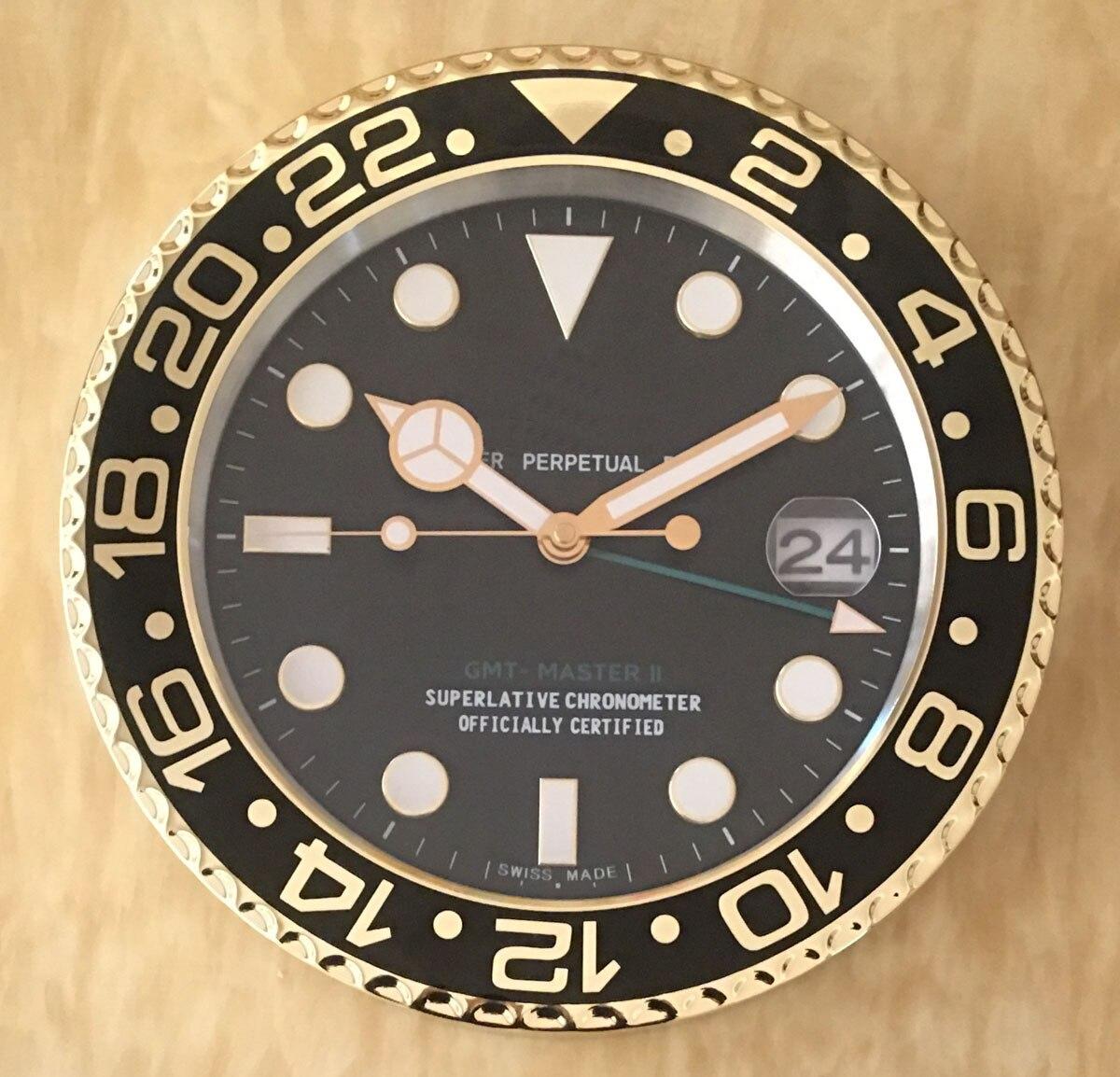 S & F Mit Lupe Einzelhandel Metall Uhr Form Wanduhr mit Kalender Luxus Uhr an Der Wand