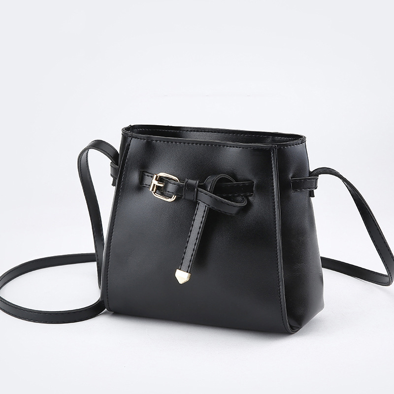 New Retro Fashion Small Belt Bag Women Candy Color Tassel Messenger Bags Female Handbag Shoulder Bag Flap Strap Women Bag Sale