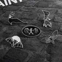 Мультяшные животные панк готика летучие мыши пчела эмалированные булавки темная брошь с дизайном «скелет» джинсовая куртка рубашка нагруд...