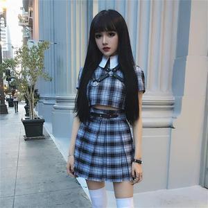Image 4 - InstaHot gothique taille haute plissé jupes femmes 2019 Punk école Style froncé noir plissé Mini jupes boucle Streetwear printemps