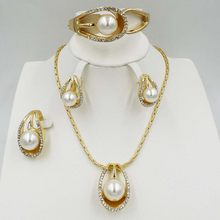 7bb9b860052f NWE Dubai moda encanto joyería de las mujeres Cristal de lujo blanco perla  pulsera Accesorios de boda
