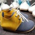 Artesanal de Couro genuíno cores misturadas estilo mocassins bebê sapatos Primeiro Walkers Criança do bebê Anti-slip Infantil Lace-up Sapatos macios
