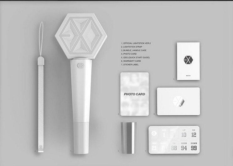 [MYKPOP] palo de luz de concierto Blanco EXO XIUMIN SUHO LAY BAEKHYUN D. O. Colección de regalo del ventilador de KAI SEHUN SA18032503