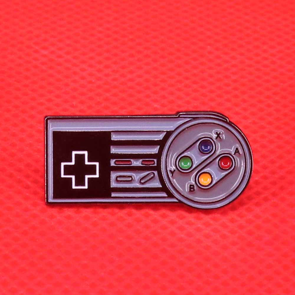 Game Controller Enamel Pin Early 90's Retro Video Game Brooch Geeky Gamer Badge Entertainment Jewelry Nerdy Gift