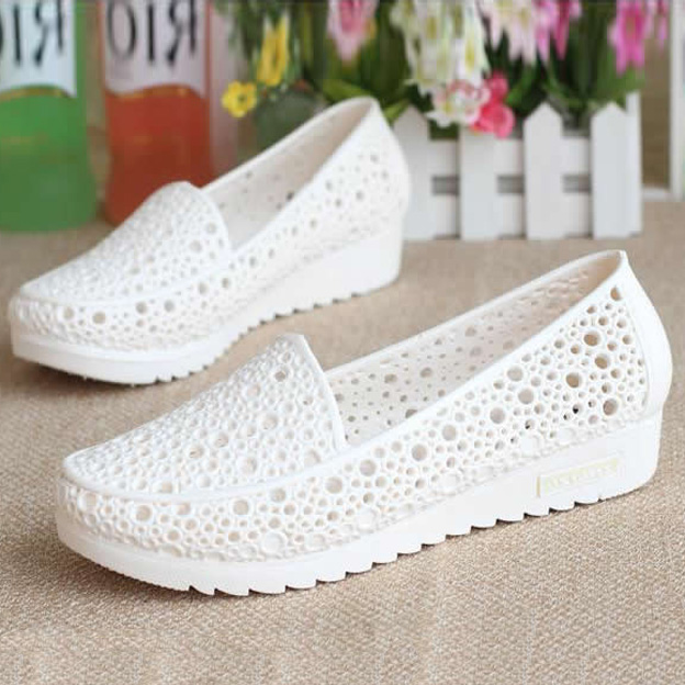 2018 Fashion Woman Sandals Sweet Cut out Jelly Sandals Summer Flat Women Shoes 2 Colors Size 36-41 3d25 hollow out breathable women sandals bowtie loafers sweet candy colors women flats solid summer style shoes woman st6 29