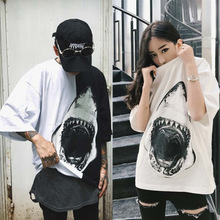 women T-shirt Fashion Hip-hop Street Brand Personal Hiphop Shark Print Simple boy and girl Couple Loose Harajuku Bf Wind