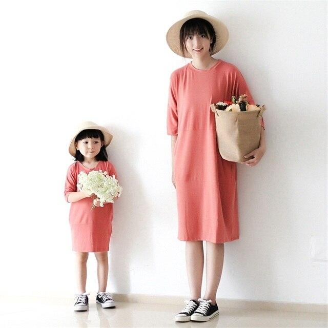2017 марка розовый половина рукава большой размер свободные девушки одеваются семья посмотрите одежда мать и дочь беременных женщин свитер платья