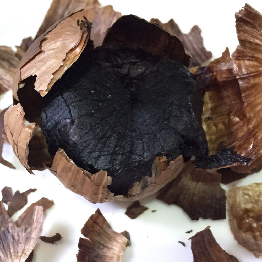 black-garlic-1000-02