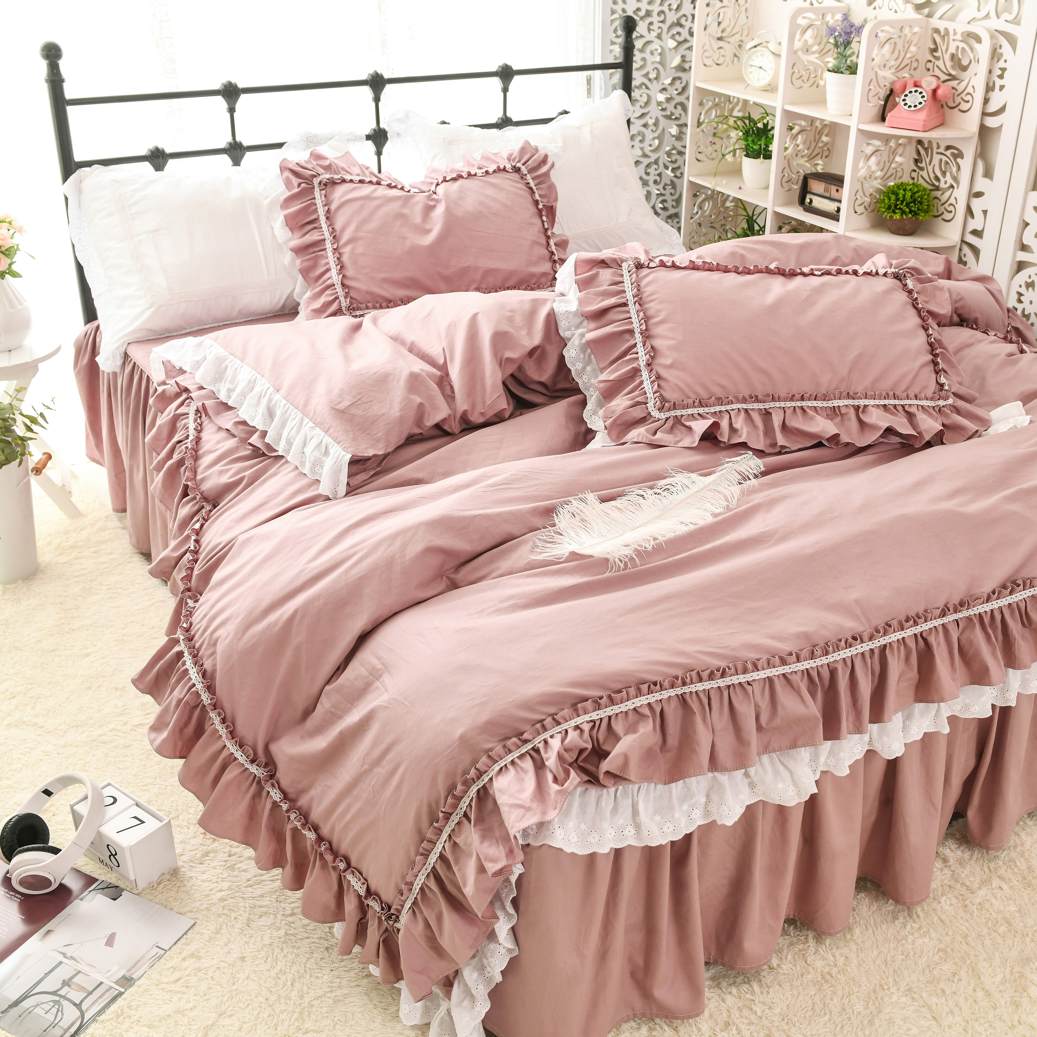 Korean version of the bed skirt style cotton lace embroidered lace quilt cover cotton solid color princess girl heart beddingKorean version of the bed skirt style cotton lace embroidered lace quilt cover cotton solid color princess girl heart bedding