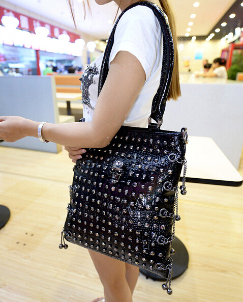 2016 Women Punk Rivet Skull Handbag Fashion Leather Bags Shoulder Crossbody bags vintage messenger bags for female black