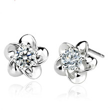 100% 925 sterling silver fashion shiny crystal Plum blossom flower ladies`stud earrings jewelry women Anti allergy gift cheap