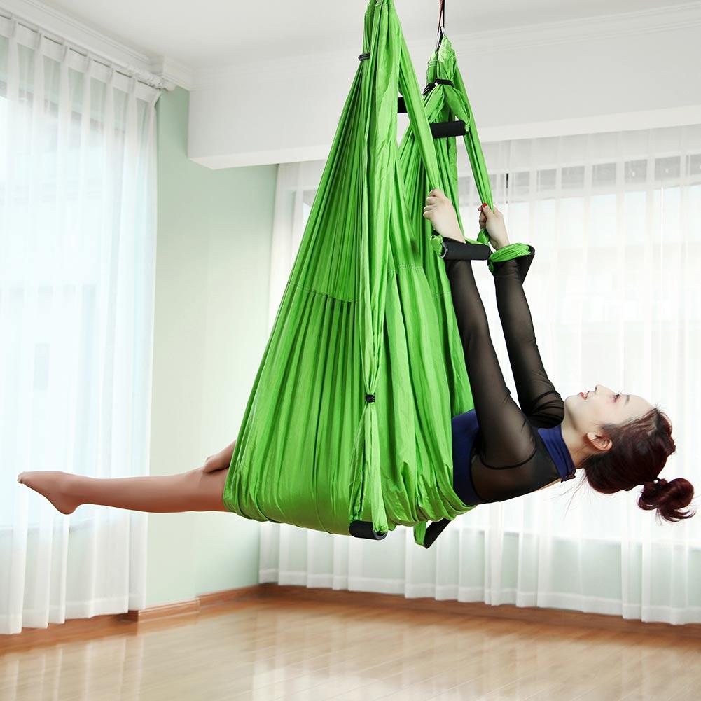 hamac de yoga vert pomme en situation