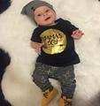 Новый 2017 лето baby boy одежда мода хлопка с коротким рукавом письмо футболка + брюки мальчиков одежда набор младенческая 2 шт. костюм