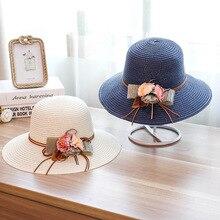 Flores Senhoras Da Moda verão Chapéu de Palha Dobrável Grande-brimmed  Chapéus de Sol Ao Ar Livre Viagem Proteção UV Viseira Chap. 8ab00e55bf8