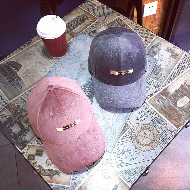 2017 Winter New Women Geometry Rivets Velvet Baseball Caps Hip Hop Adjustable Bone Casquette Cap Hat