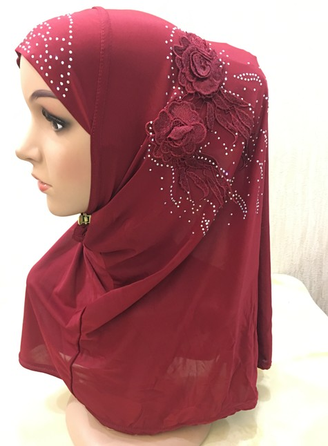 H1215 latest muslim hijab with lace flowers and rhinestones fashion islamic hijab girls hijab fast delivery