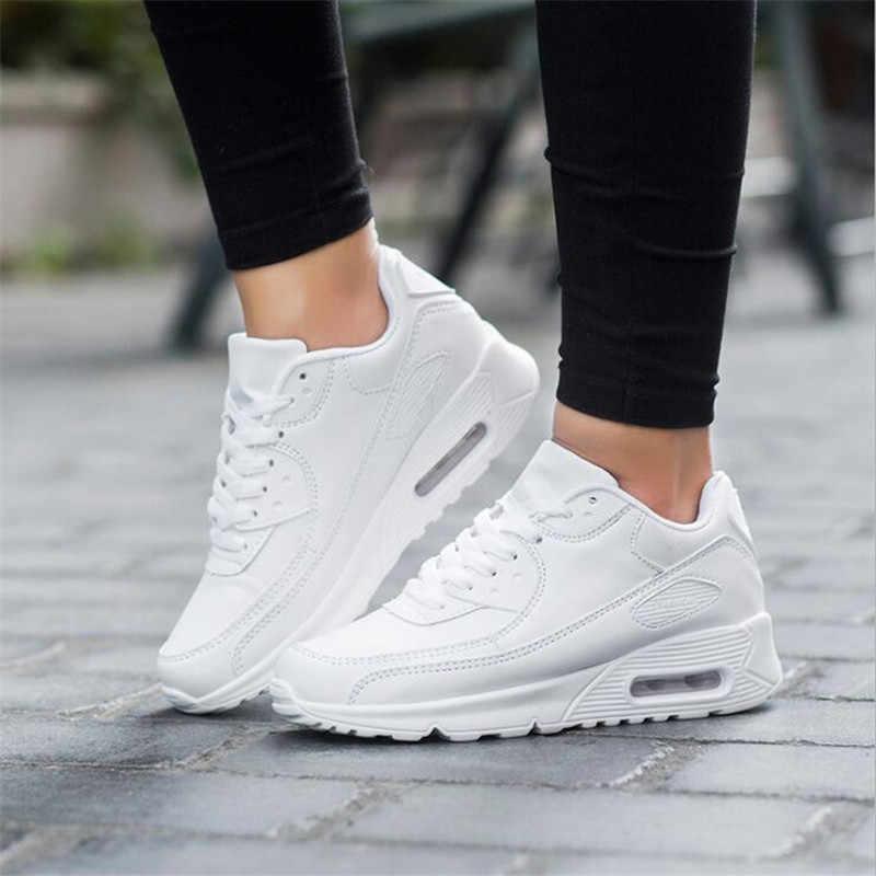 حذاء رجالي خفيف الوزن جيد التهوية حذاء رجالي خفيف الوزن من Krasovki حذاء رجالي سهل الارتداء أحذية رياضية رجالية مقاس 35-44
