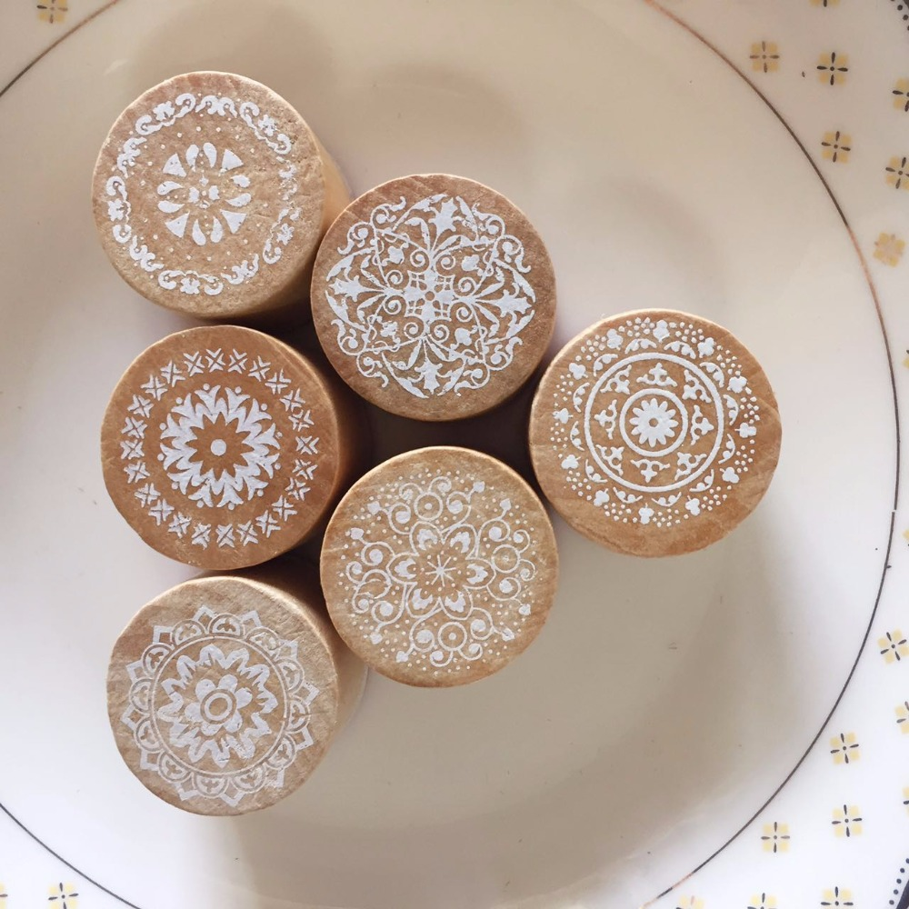 6pcs/pack Vintage Floral Flower Pattern Round Wooden Rubber Stamp Chritmas Gift DIY Handmade Scrapbook Photo