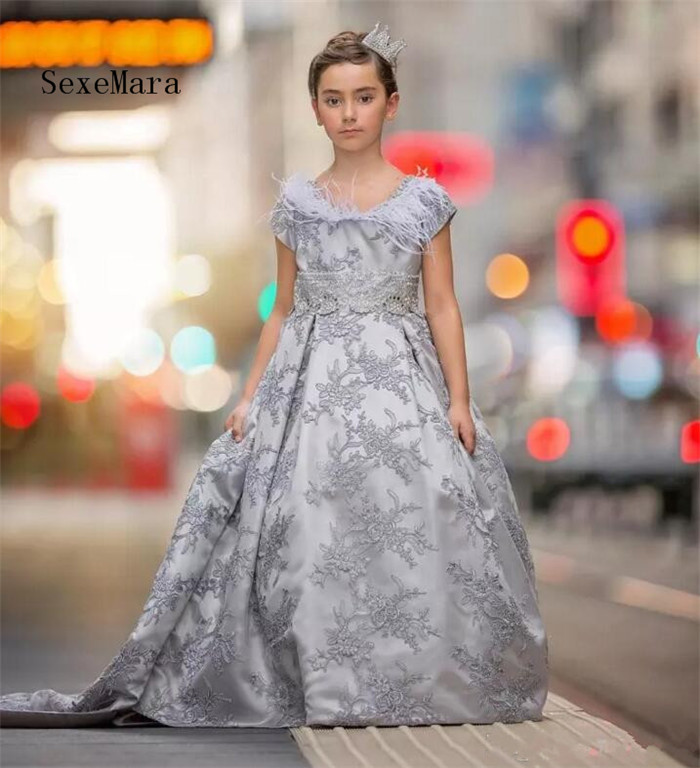 New Customized Girls Dresses Grey Lace Ball Gown Puffy Short Sleeve O Neck Zipper Back Long Birthday Dress Pageant Gown grey lace details stripe round neck cami