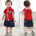 Identificadores de muchachos de la ropa 3 años de verano muchachos determinados de la ropa prendas de vestir exteriores + pantalones cortos de mezclilla del muchacho rojo a cuadros da vuelta-abajo conjuntos de collar