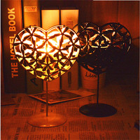 Metal heart shape candle holder home decorative bar iron candlestick festival candleholder hollow heart candle holders