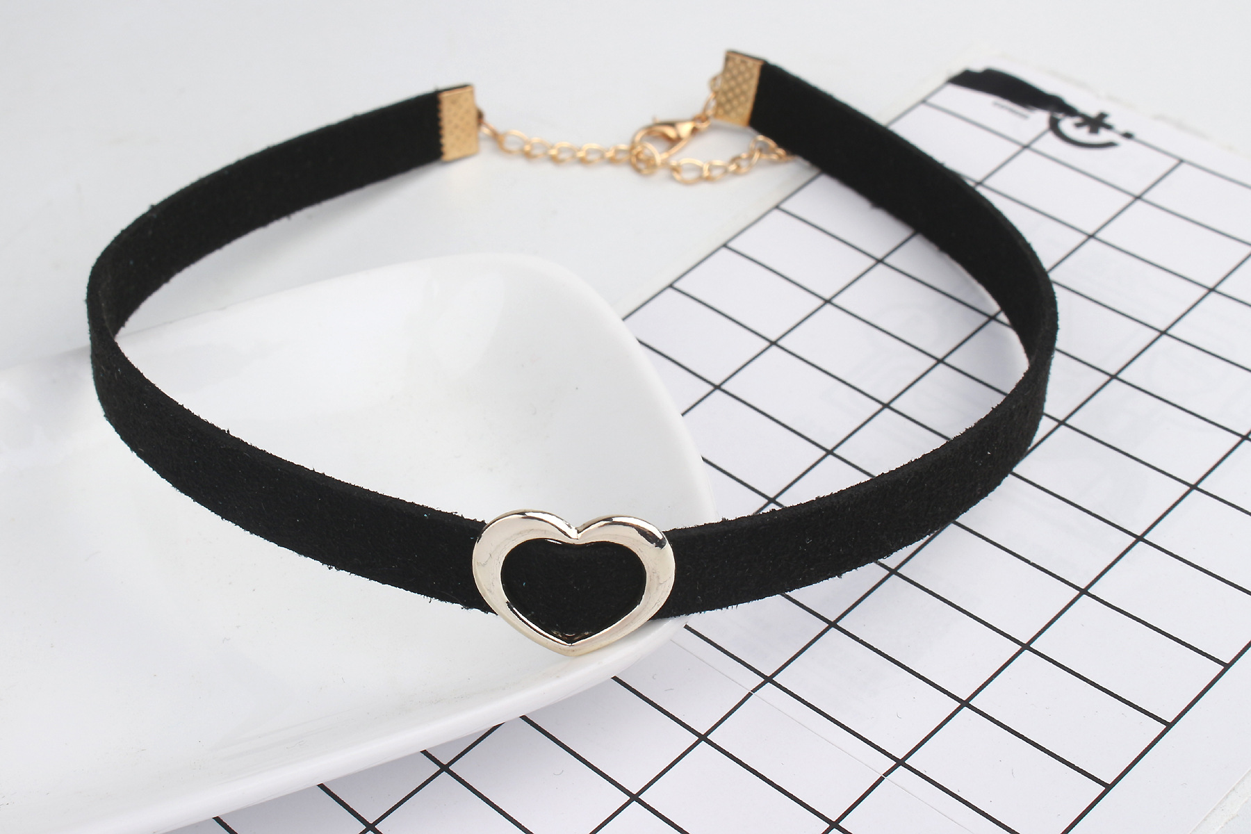 ba8a892ecaa Women's Chockers Trendy Bijoux Femme Gold Heart Chokers Necklaces For Women  Collares Mujer Black Velvet Choker-in Choker Necklaces from Jewelry ...
