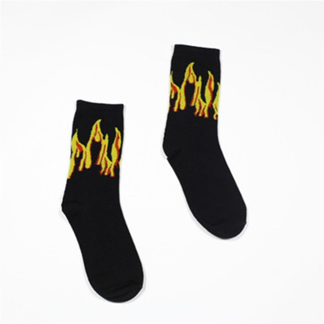3 Colors Neutral Illustration Socks Creative Women Men Red Black Yellow Fire Skateboard Sports Sock 2018 Couple Cotton Socks R5J