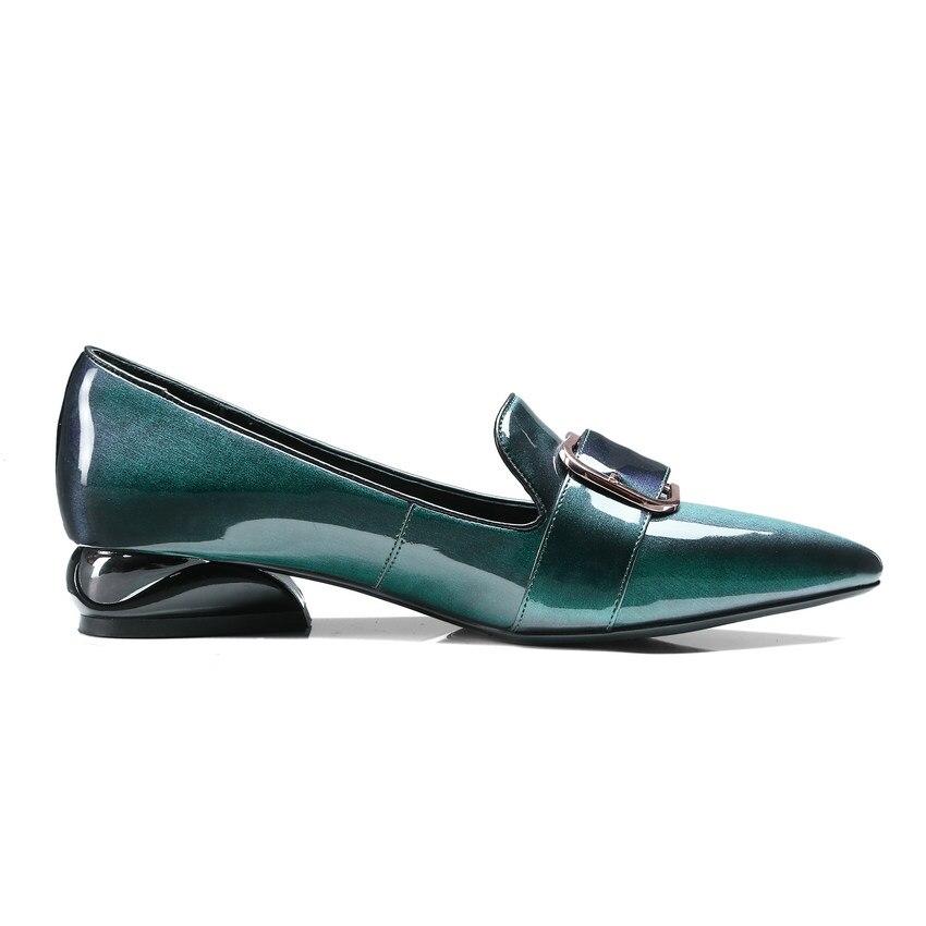 Ayakk.'ten Kadın Pompaları'de QUTAA 2020 Kadın Pompaları Patent Deri Moda Kadın Ayakkabı Slip Toka Batı Tarzı Sivri Burun Bayanlar Pompaları Boyutu 34  42'da  Grup 3