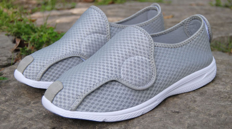 Foot is puffy shoes styles for men and women of hallux valgus foot wide valgus shoes nurse shoes senile diabetes