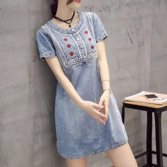 Лето Вышивка платье из джинсовой ткани с коротким рукавом ретро джинсы сарафан свободные платья трапециевидной формы и сарафаны Повседневные мини-платье aw576