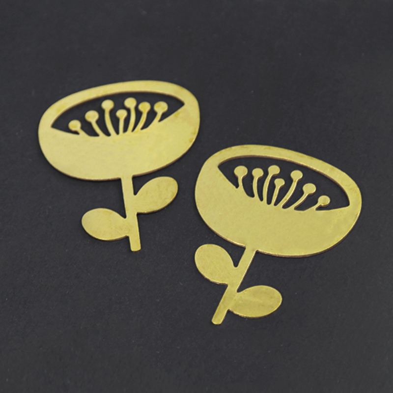 Fait sur commande fournitures de fabrication de bijoux faits à la main pendentif Laser découpé en laiton brut fleur charme pour collier à faire soi même boucle d'oreille broche RD260-in Charmes from Bijoux et Accessoires    1