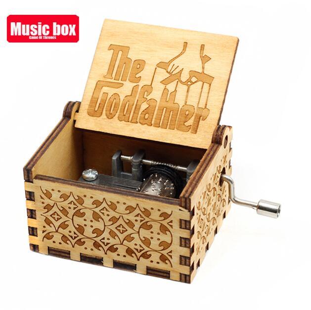 Старинная резная музыкальная шкатулка королева Кривошип Сейлор Мун деревянная музыкальная шкатулка Рождественский подарок на день рождения вечерние украшения - Цвет: Godfather