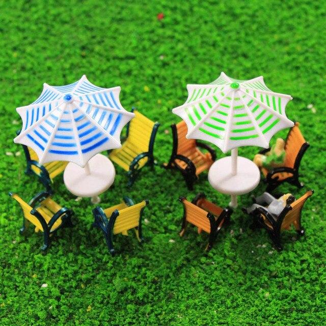 2 Sets Parasols Sun Loungers Deck Chairs Bench Settee Model Train 150-1150 O OO TT N Scale TYS23 Plastic Model Umbrellas
