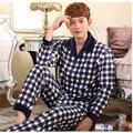 Pijamas de Los Hombres de Primavera Y Otoño Pijama de Algodón A Cuadros de manga Larga Para Hombre Pijamas Pijamas Conjuntos salón Pijama de Los Hombres 4XL Homens