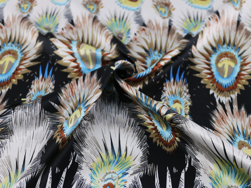vintage-peacock-feather-girls