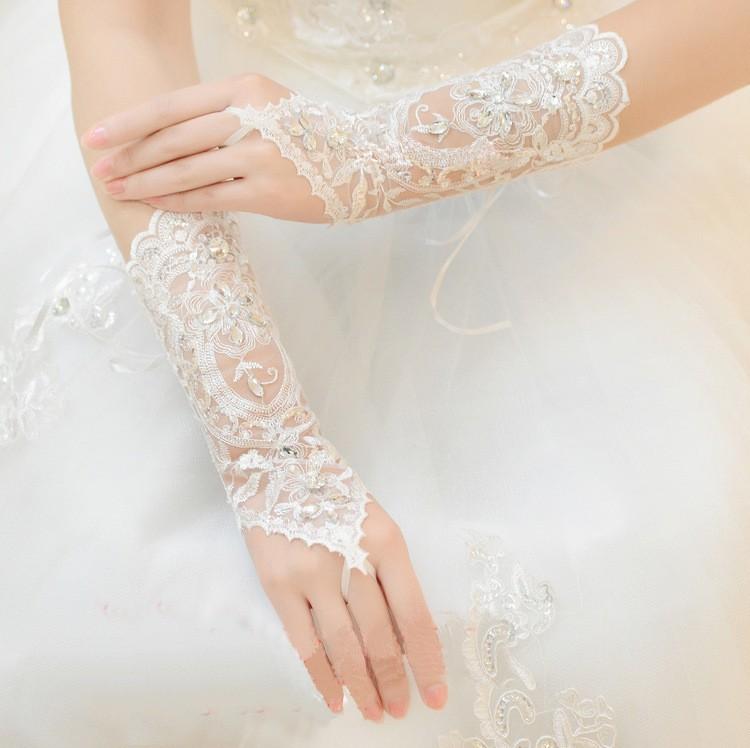 2017 Hot Cheap White Ivory Fingerless Rhinestone Lace Sequins Short Bridal Wedding Gloves Wedding Accessories 3