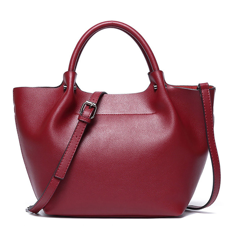 Natural Genuine Leather Handbags Dumplings Luxury Designer Women Crossbody Messenger Bags Big Capacity Red Shoulder Bag FemaleNatural Genuine Leather Handbags Dumplings Luxury Designer Women Crossbody Messenger Bags Big Capacity Red Shoulder Bag Female