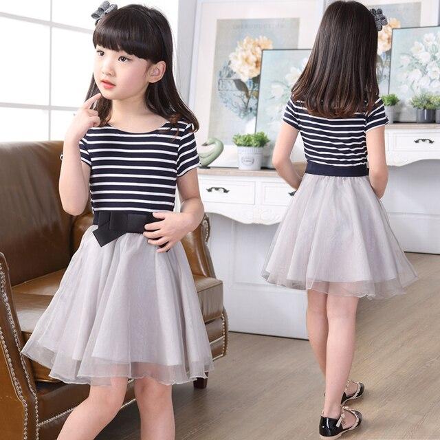 d4515adcb 2018 Moda infantil Roupas Meninas de Verão Listrado Arco Splicing Malha  Plissado Vestidos de Princesa Criança
