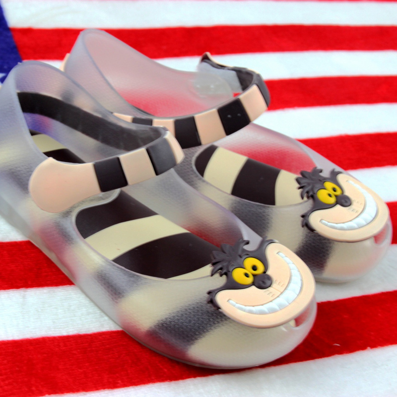 shoe Children's Store hot 2017 Mini Melissa Alice In Wonderland Girl jelly Sandals Cheshire Cat Smile Mouth Shoes kids jelly shoes Children Sandals