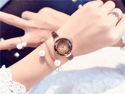 Luxury Crystal Gold Watches Women Fashion Bracelet Quartz Wristwatch Rhinestone Ladies belt contracted small woman  Watch Dropsh