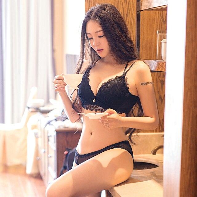18b30a9fdd183 Mulher Lingerie Sexy Conjunto Sutiã de Renda Reunir Sem Encosto Ajustável  Empurrar Para Cima jovem Sutiã
