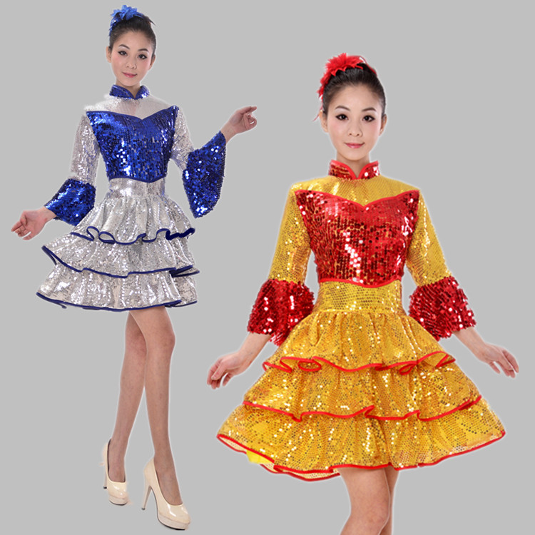 Modern square table skirt opening dance groups mounted exhaust dance costume sequins