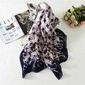 Hot new 2017 marca de lujo de calidad de impresión bufanda de las mujeres chales de verano y urdimbres bandana foulard chal bufanda de seda femenina