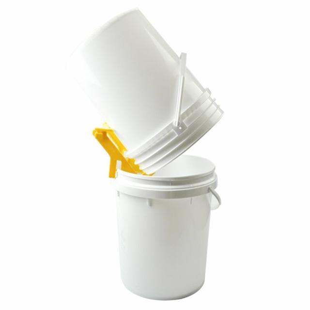 1 pcs Honey Bucket Bracket High Quality Hot Sales Beekeeping Tool Honey Tank Plastic Honey Pail Stand Support beekeeper tools